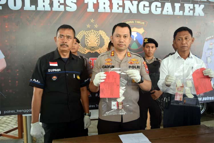 Petugas amankan pelaku beserta barang bukti ribuan pil dobel L