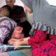 Bupati Trenggalek Sujud Menangis Depan Ibu Berlian Korban DB