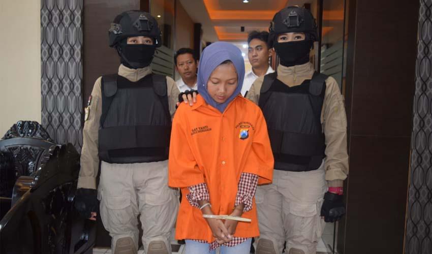 Cewek Penipu Modus Jualan Masker Via Online, Ditangkap Polres Trenggalek