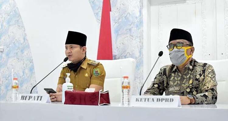 Bupati Trenggalek Mochamad Nur Arifin (kiri), Ketua DPRD Kabupaten Trenggalek Samsul Anam (kanan). (ist)