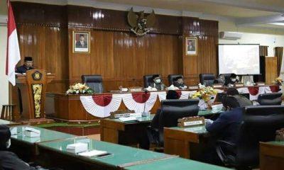 Suasana rapat paripurna persetujuan Rancangan Peraturan Daerah APBD Tahun 2021.