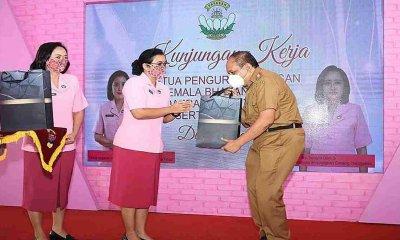 Sekda Trenggalek saat menerima kunjungan Ketua PYKB Jatim di SLB Kemala Bhayangkari.